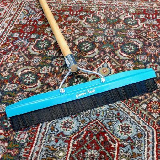 Grandi Brush